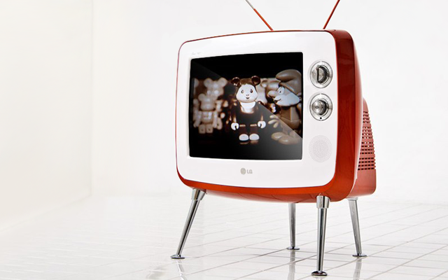 LG Retro Classic TV